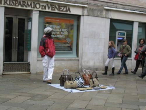 Venice Purse Seller