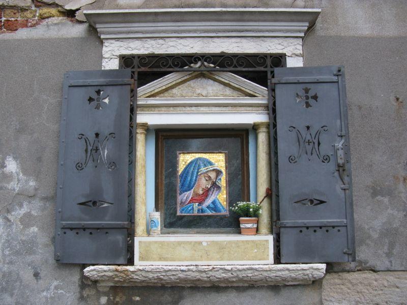 Venice shrine1