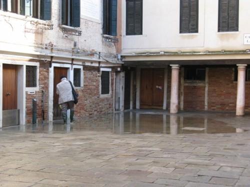 Acqua Alta puddle