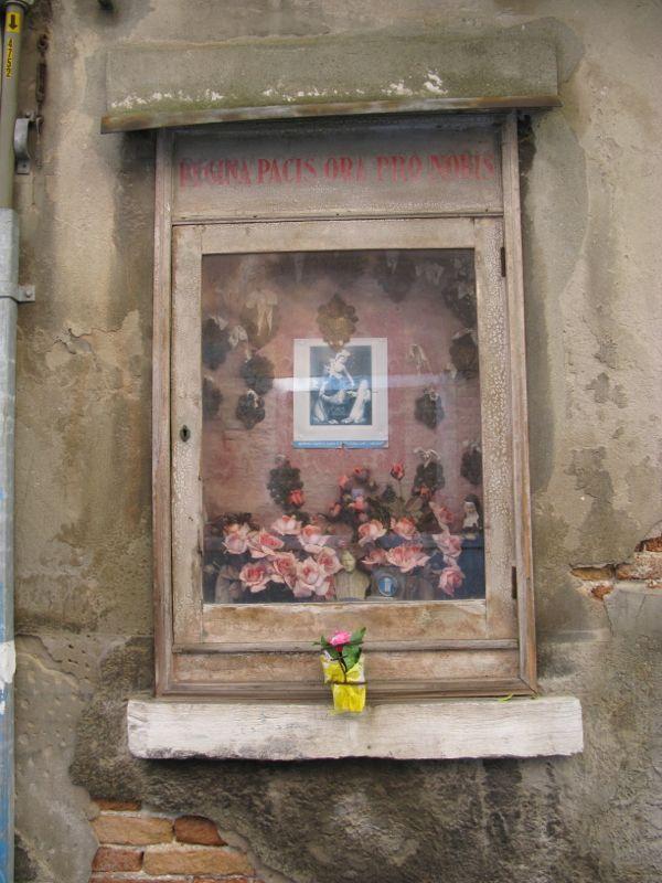 Venice Shrine3