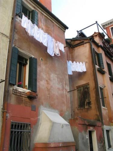Venice laundry2