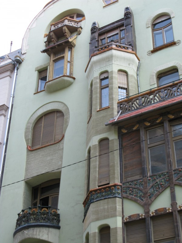 Budapest_Bedo Haz facade