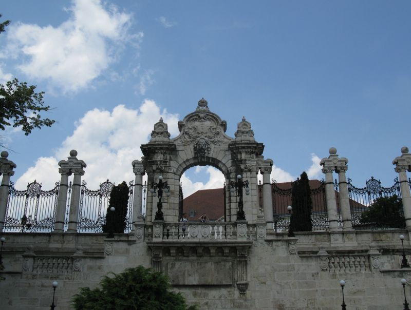 Budapest_Gate