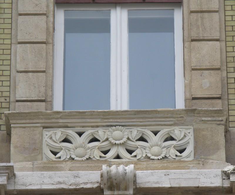 BudapestDay2_12c window box