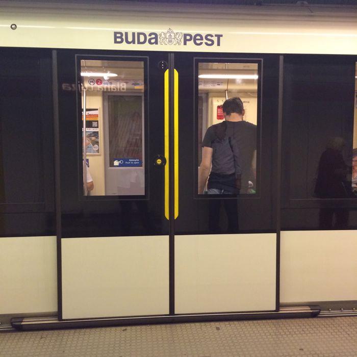 BudapestDay2_7d train doors