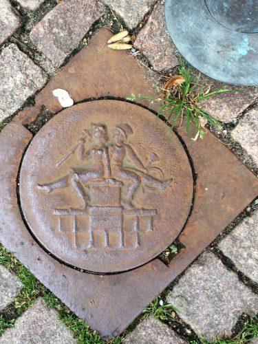manhole cover scandinavia_8